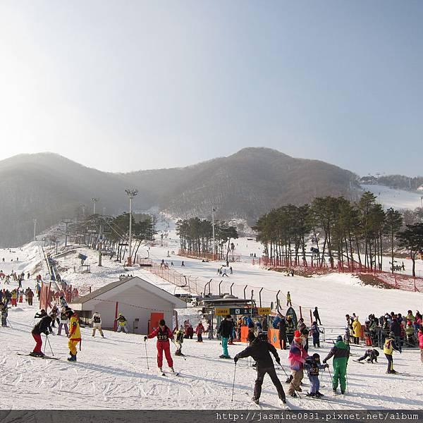 滑雪場好多人呀