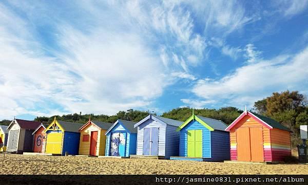 Brighton Beach 彩虹小屋