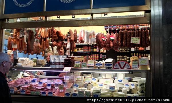 賣肉品的攤位