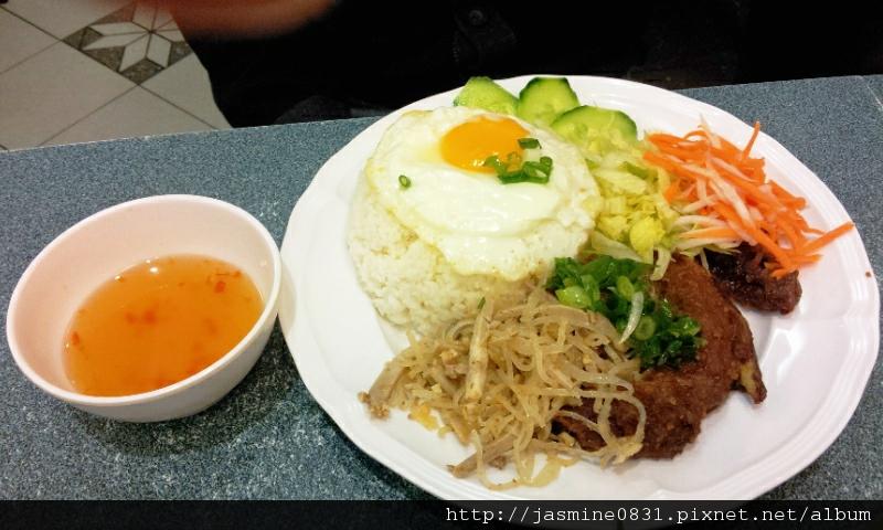 勇記越南河粉 - broken rice