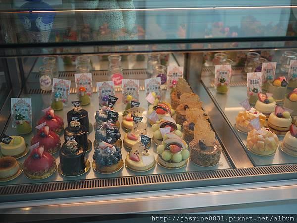 吸睛的甜點櫃