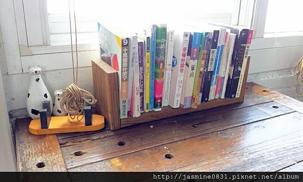桌上的書 (3)