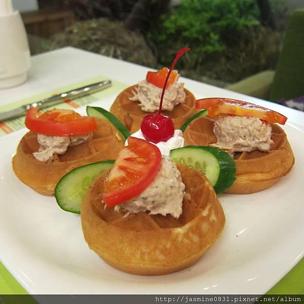 番茄鮪魚鬆餅