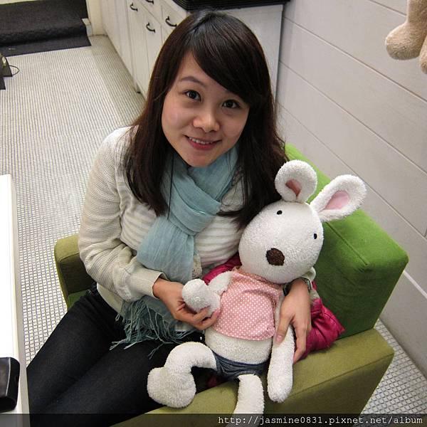 與可愛的小兔來一張