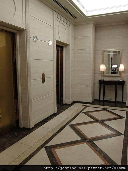 大廳的電梯