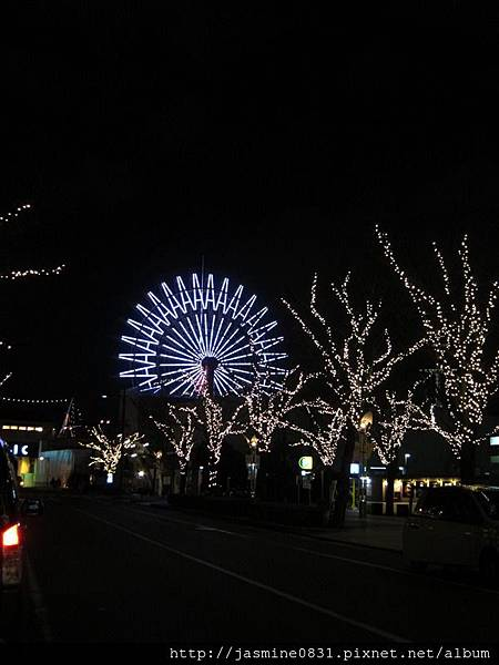 夜晚的神戶港摩天輪