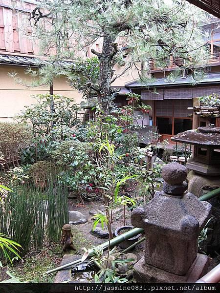 烏岩樓小小的日式庭園