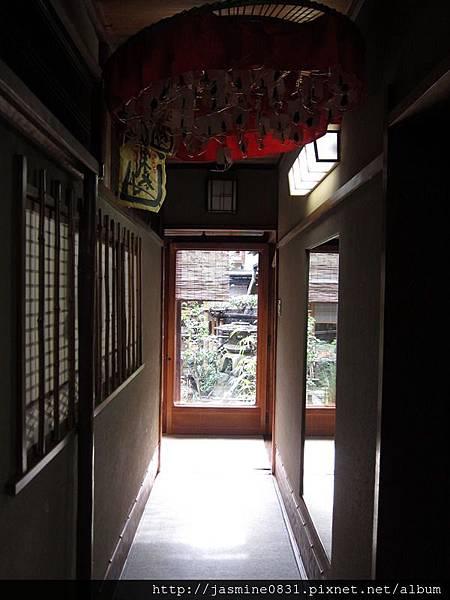 烏岩樓-通往2F的廊道