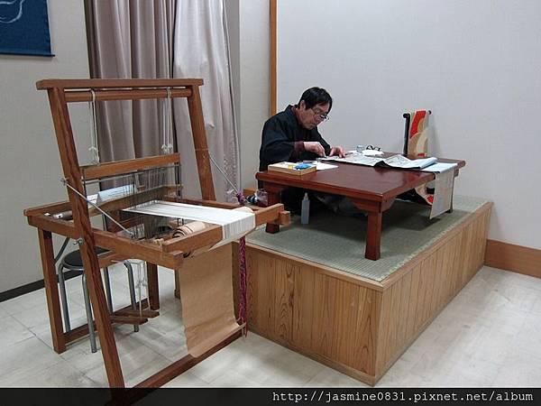 繪製和服花紋的師傅 (2)