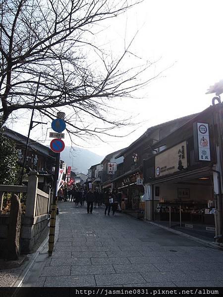 去清水寺的街道 (2)