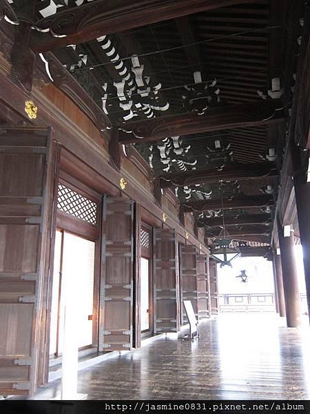 東本願寺 御影堂廊道 (2)