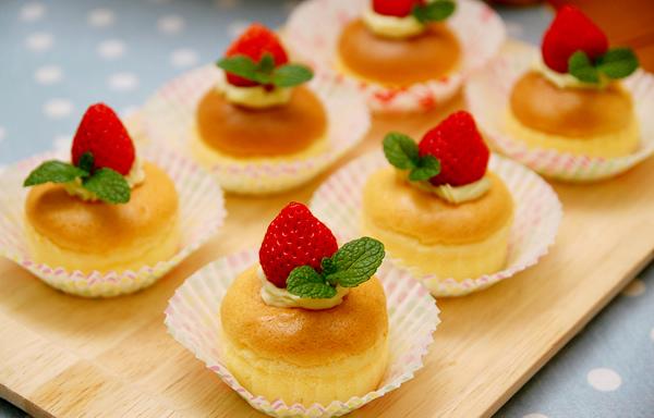 草莓棉花蛋糕
