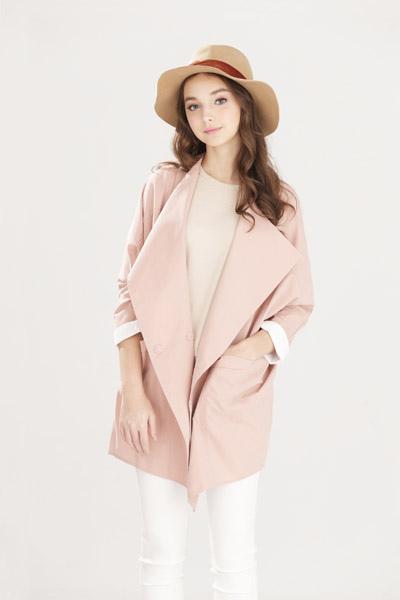 寬鬆感翻領撞色袖口大衣外套-女1