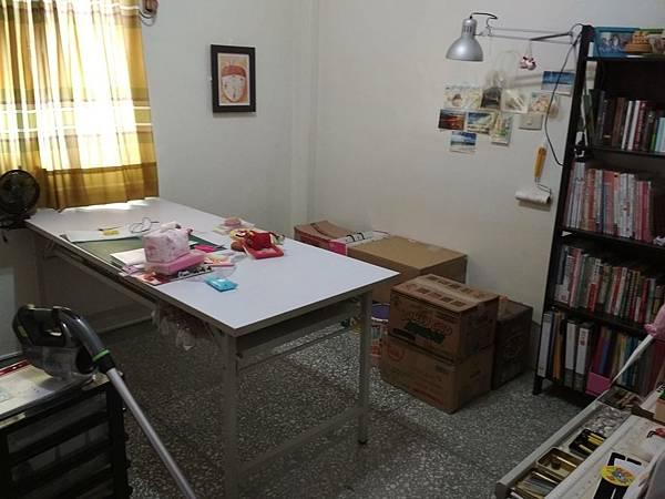工作桌 (1).jpg