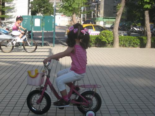 990821-公園騎踏車.jpg