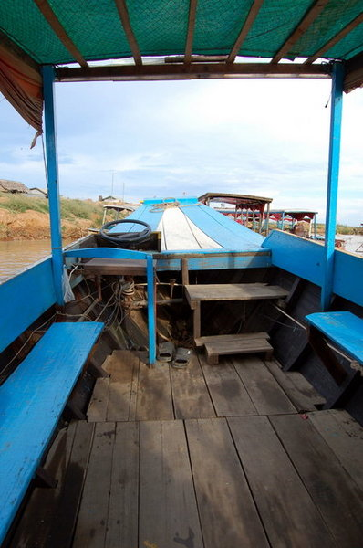 洞裡薩湖的小船