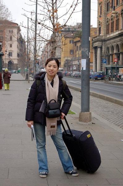 第三天,先去車站放行李.JPG