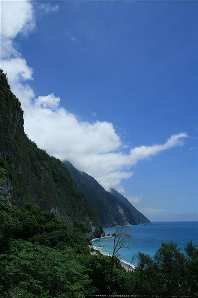 不用懷疑,這是斷崖海岸