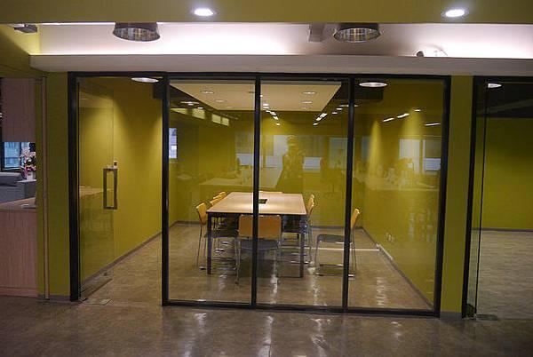 玻璃隔間+鐵件.jpg