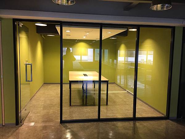[方案二]鐵框 + 玻璃門 (3).jpg