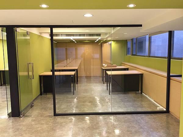 [方案二]鐵框 + 玻璃門 (1) - 複製.jpg