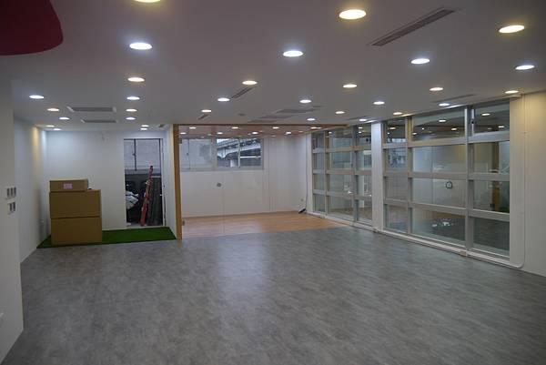 辦公室玻璃隔間 (18).JPG