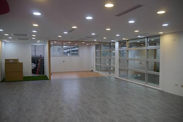 辦公室玻璃隔間 (19).JPG
