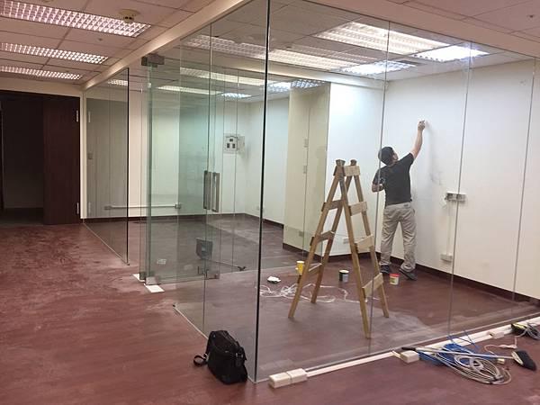 辦公室玻璃隔間 (10).JPG