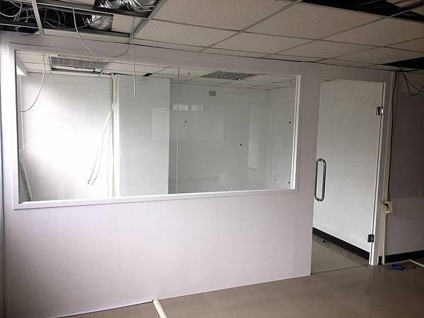 辦公室玻璃隔間 (7).JPG