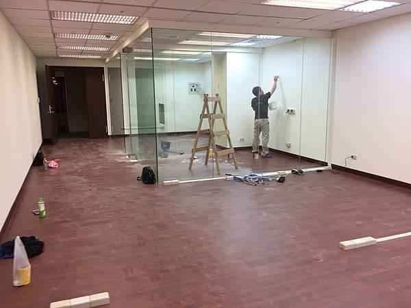 辦公室玻璃隔間 (8).JPG