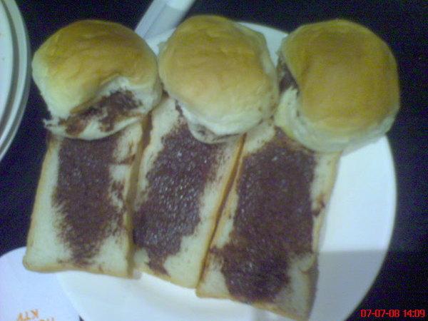 這是巧克力麵包