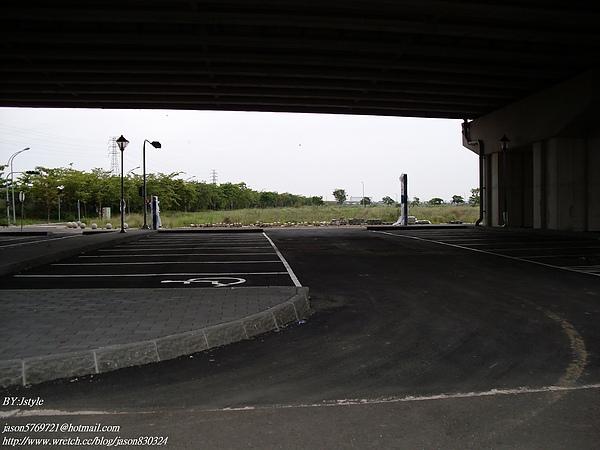 汽車停車場.JPG