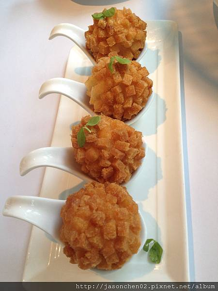 灌湯黃金蝦球