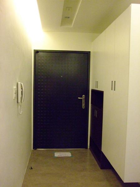 大門及玄關.JPG