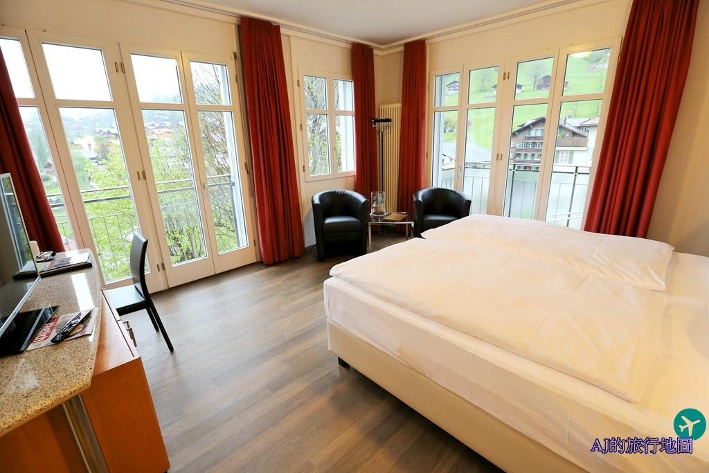 Classic Twin Room2.JPG