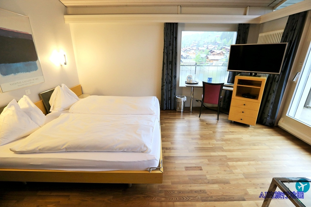Executive Twin Room3.JPG