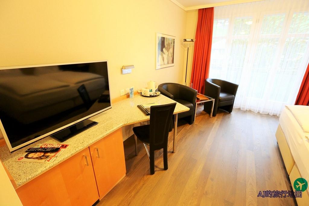 Standard Twin Room6.JPG