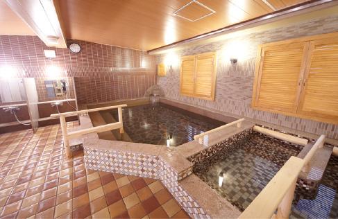 女生浴室.jpg
