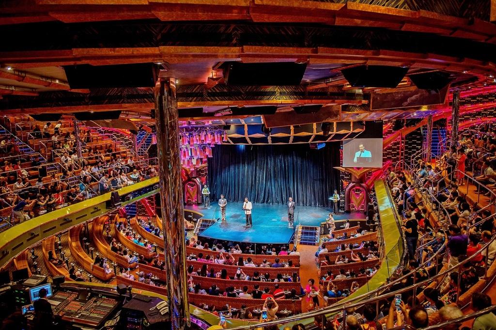 70 宙斯大劇院 3、4、5 層甲板.jpg