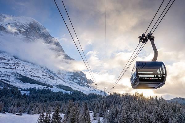 95 Eiger-Express-Grindelwald-Eigernordwand-Abendstimmung-Winter.jpg