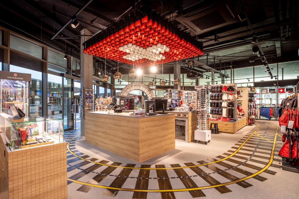 55 Grindelwald-Terminal-Top-of-Europe-Shop-Weitansicht.jpg