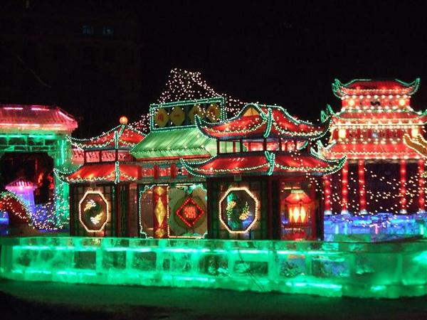 照麟公園冰燈