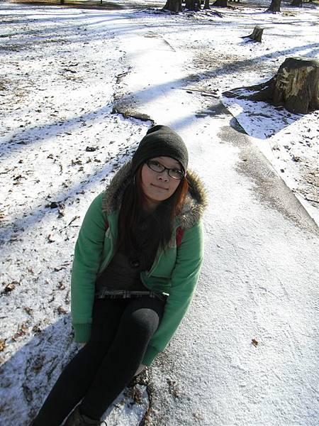 終於看到雪了(第二天in北海道神宮前之圓山公園)