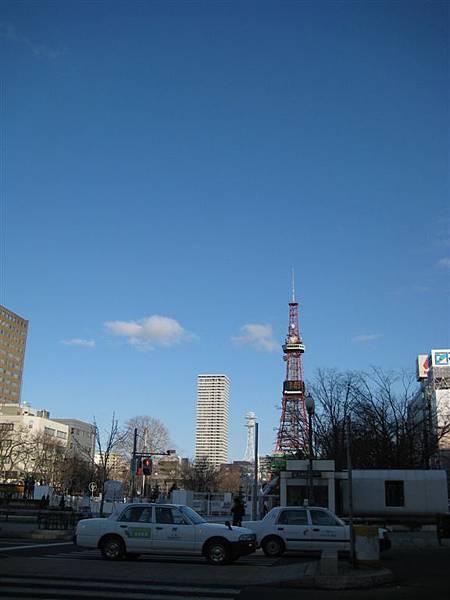 遠遠的NHK電視塔