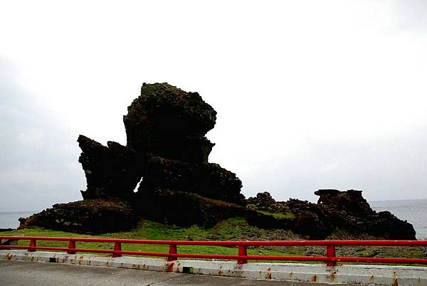 18.坦克岩.jpg