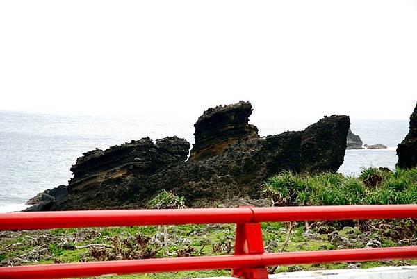 19.路上的岩.jpg