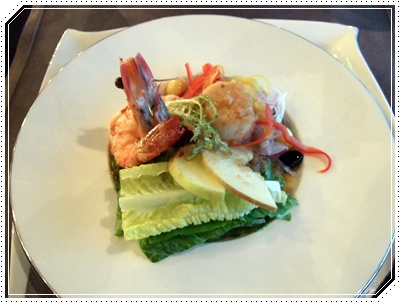 老虎蝦和干貝和風沙拉、輕食概念