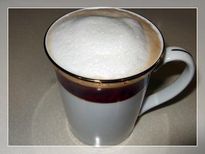 就是一杯好喝的熱拿鐵囉