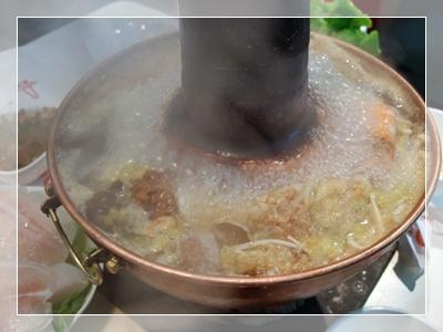 熱騰騰的酸菜鍋