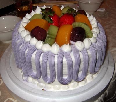 芋頭餡的蛋糕新鮮好吃